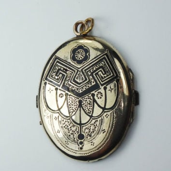 Antique Mourning Locket 1/2 Picture Locket Rolled Gold Plate Pendant Antique Locket Vintage Locket Victorian Locket Pendant Old Photo