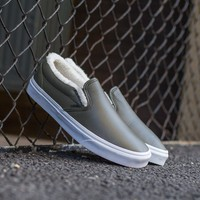 qiyif Vans Leather Sherpa Slip-On VA38F7QTQ