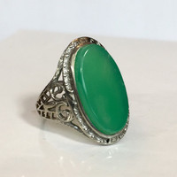 Vintage Chrysoprase 18K Gold Filigree Ring, Victorian Green Chalcedony Gemstone Ring, White Gold Band Art Deco Filagree Ring Antique Jewelry