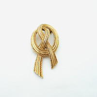 Elegant Signed Trifari Knotted Goldtone Brooch, UK Seller