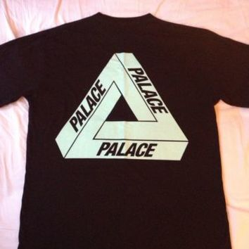 Palace Skateboards T SHIRT large Black Tri Ferg