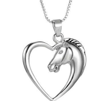 Hot Vintage Rhodium Plated Zinc Alloy Love Heart Animal Horse Pendant Necklaces Jewelry for Lady Fashion