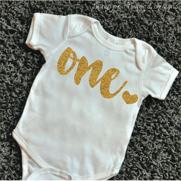 First Birthday Girl Outfit Baby Girl 1st Birthday Outfit Glitter Gold Birthday Shirt Gold First Birthday Cake Smash Outfit 085