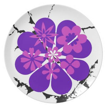 purple and pink flowers plate