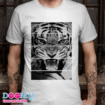 tiger White T-Shirt By : Doomqcases Men's T-Shirt S, M, L, XL