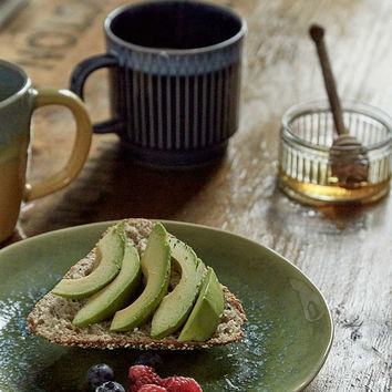 UO Earthware Salad Plate - Urban Outfitters