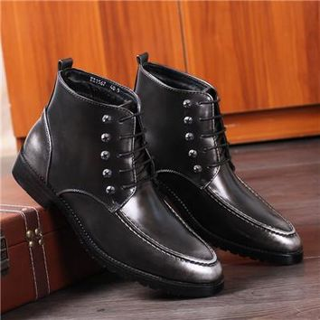 Short Ankle Boots For Men Flat High Tops Business Genuine Leather Shoes Pointed Toe Lace-Up Martin Boots Botines Hombre