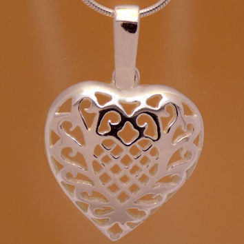 Solid Sterling Silver Stylish Design Heart Pendant 925 Hallmark Lovely Charm Beautiful Marvelous Incredible Impressive Handmade Handcrafted