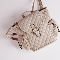 QUILTED BUCKLE DETAIL BACKPACK NUDE