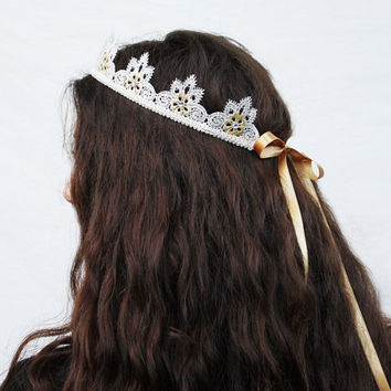 Snowflake Lace Crown - Winter Birthday Crown, Holiday Fashion Accessory, Winter Wedding, Ivory Lace Headband, Fairy Crown, Princess Crown