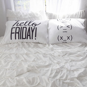 Aeropostale  Hello Friday Pillow Case Set