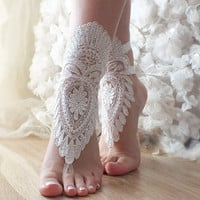 FREE SHIP ivory Barefoot , french lace sandals, wedding anklet, Beach wedding barefoot sandals,