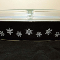 Pyrex White Snowflakes on Charcoal Divided Baking Dish Pyrex Cinderella Black Snowflake Pyrex Snowflake Pyrex Charcoal Black Series 963