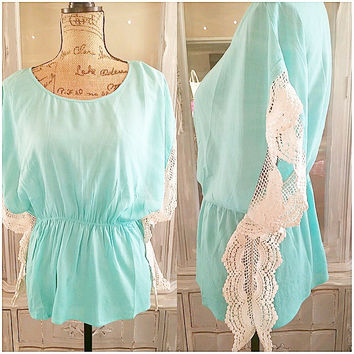 TRACE THE LACE TOP IN MINT