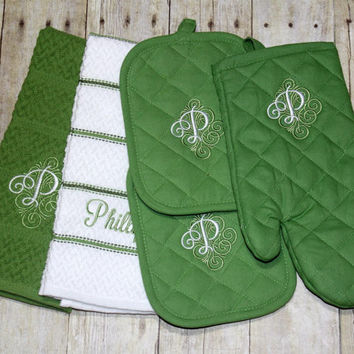 Monogrammed personalized Kitchen towel Set - includes 2 towels, 2 potholders and an oven mitt