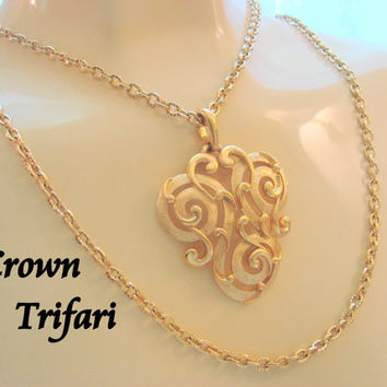 Crown Trifari Runway Statement Pendant Necklace / 60s 70s / Renaissance Revival / Designer Signed / Double Chain / Vintage Jewelry