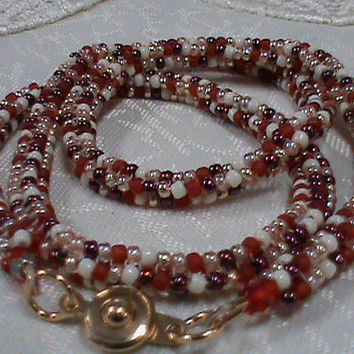 Red cream gold seed beaded chain necklace