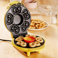 SuperPretzel Mini Soft Pretzel Maker | Urban Outfitters