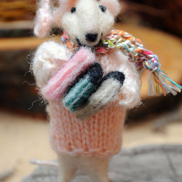 Felt mouse White mouse Dollhouse animals Sweet mouse with his books!