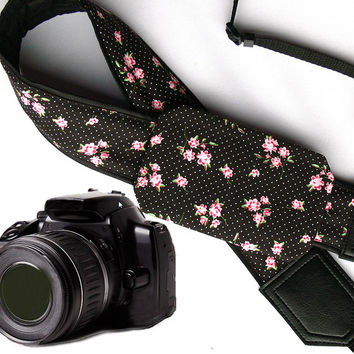 Flowers Camera Strap with a Pocket. Floral Camera Strap. Polka dot Camera Strap DSLR / SLR Camera Strap. Photo Camera accessories. For Sony, canon, nikon, panasonic, fuji and other cameras.