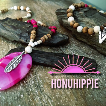 Boho hippie Mala bracelet necklace set. Native American inspired feather, arrowhead jewelry. Pink Crazy Lace Agate