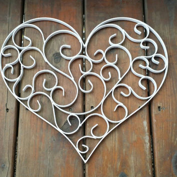 heart wall decor white metal and large from brittsdiversestyle. Black Bedroom Furniture Sets. Home Design Ideas