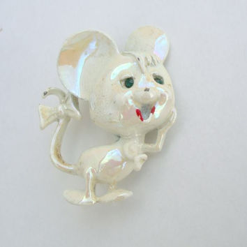 Vintage Luster Enamel Mouse Pin Brooch Green Rhinestone Eyes Fun 1950s Figural Jewelry