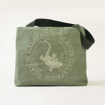 Beautiful Galapagos Islands Lizard Tote