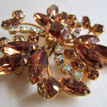 Vintage 60s Topaz Brooch Coffee Brown Rhinestone Gold Tone 1960s Round Floral Pin