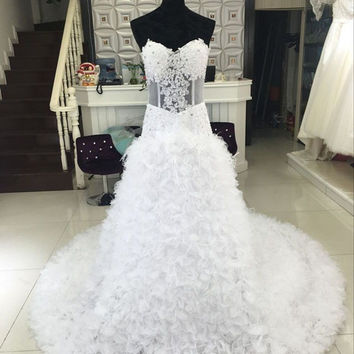 2016 New Luxury Crystal Wedding Dresses Bodice Feathers Tulle Ruffed Mermaid Bridal Gown Dresses Vintage Wedding Dresses