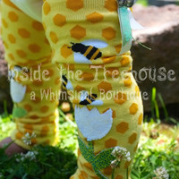 Bumble bee print Knee patch Leg warmers | Cute baby clothes Unique gift idea for girls | Upcycled, recycled, repurposed clothing