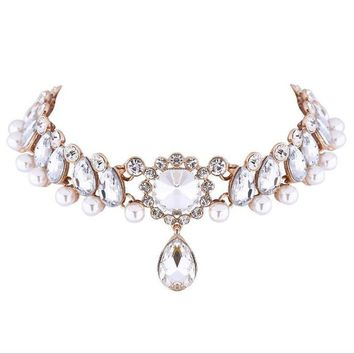 Luxury Crystal Pearl Choker Necklace For Bridal Elegant Rhinestone Alloy Statement Collar Choker Fashion Jewelry Collier Bijous