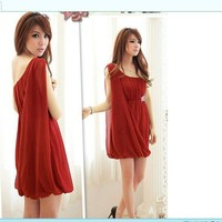 Vogue Diamond Decorated Single Shoulder Dress Red