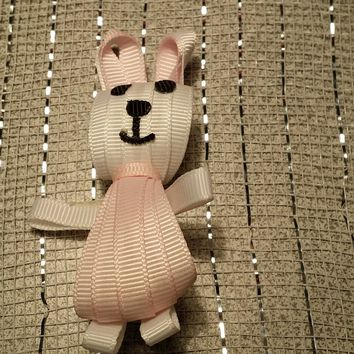 RIBBON SCULPTURES - EASTER - WHITE / LIGHT PINK BUNNY