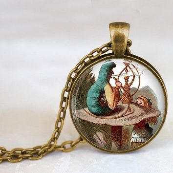 2017 New Handcrafted Chain Alice In Wonderland Jewelry Caterpillar With A Hookah And Alice Necklace Glass Photo Pendant HZ1