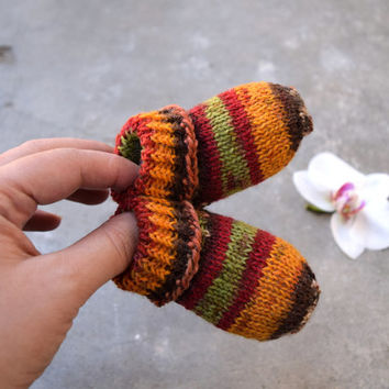 Thin newborn socks in autumn colors, baby socks in orange red green brown colors, stay-on socks, wool baby booties, handknit crib shoes
