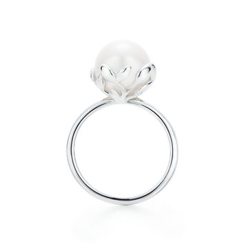 Tiffany & Co. - Paloma Picasso®:Olive Leaf Pearl Ring