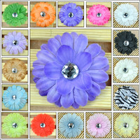 New Hot 16pcs Baby GIRL Lady Little Crystal Centered Daisy Flower Hair Clip Bow 16 Color