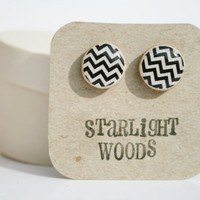 Stud wood Earrings black and white chevron   by starlightwoods