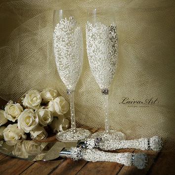 Wedding Champagne Flutes Wedding Champagne Glasses White Toasting Flutes White Wedding Decoration