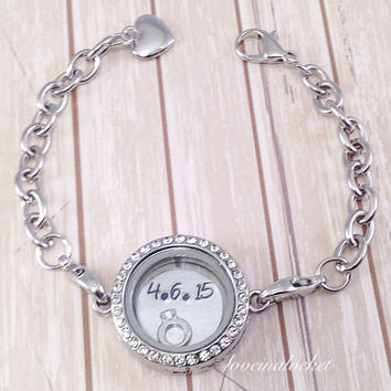Wife Anniversary Bracelet, Floating Locket Bracelet, Wife Anniversary Gift, Bride Bracelet, Wedding Bracelet, Custom Anniversary Locket