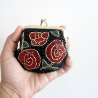 Beaded coin purse, coin purse handmade, Black red green, floral pattern, under 20 gift idea, vintage inspired, gift for her, interior lining
