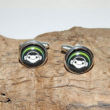 Overwatch Lucio logo cufflinks, Lucio Overwatch simbol patch emblem, Lucio Hero Icon, Lucio cufflinks, gamer cufflinks, video game Overwatch