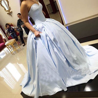 Light Sky Blue Satin Ball Gown Prom Dresses 2017 vestido fiesta Concise Pleats Sweetheart Long Formal Gowns Prom Party Dress