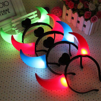 Wishtime Kids Toys 10Pcs/Set Demon Headwear Halloween Light Emitting Horn Flashing Plastic Jewelry Makeup Concerts Children Toys