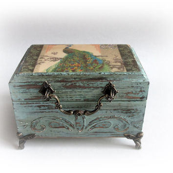 Peacock Jewelry Box. Peacock Shabby chic Box.Vintage Peacock Box. Peacock Trinket Box. Personalized Peacock Box. Antique Decoupaged Box.