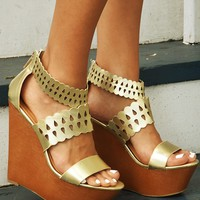 Spirit Of Summer Wedges: Gold