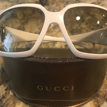 Authentic Gucci White with Gold Horsebit Detail Womens Sunglasses Vintage RARE