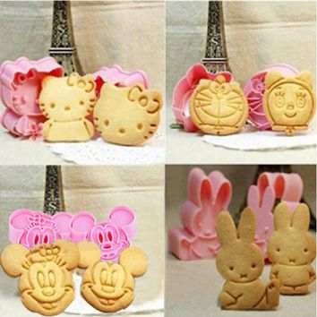 DCCKL72 Cartoon Baking Mould Biscuit Mould Cookie Cutter 3D Three-Dimensional Cartoon Biscuits Mold DIY Tools for Baking Claying Plunger