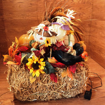 Handmade Fall Décor Pumpkin Scarecrow Hay Lighted Thanksgiving -- Used